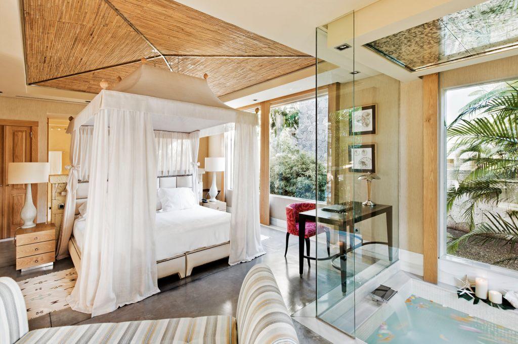 The Stunning Master Bedroom Of Villa Las Mimosas At Bahía Ed Duque Hotel